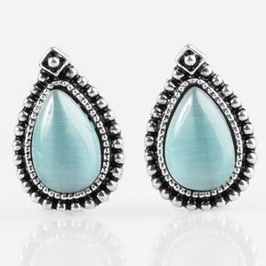 Paparazzi Wouldn't Gleam of It Blue Earrings